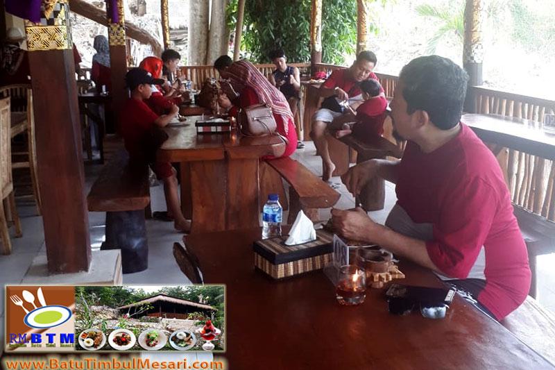 Buffe Rafiro Travel di RM. BTM. Nusa Penida Bali